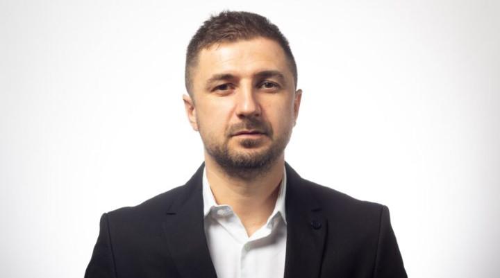 Adrian Axinia, AUR: Intoxicări ale presei plătite.Totul este în regulă la AUR. – ROPRES.RO