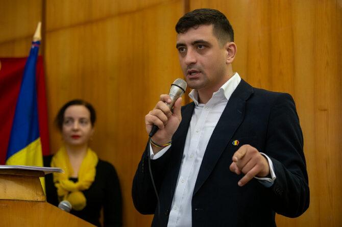 George Simion în fața sediului ANAF:Opriți distrugerea afacerilor românești! Opriți controalele abuzive! – ROPRES.RO