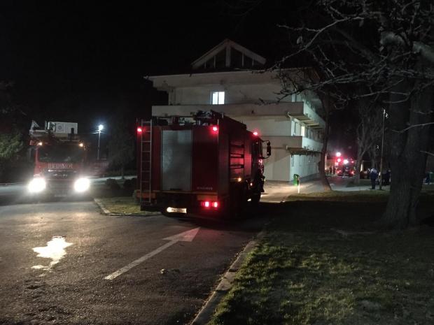 Incendiu la Spitalul de Psihiatrie Craiova: Trei medici și-au rupt picioarele după ce au sărit de la etaj