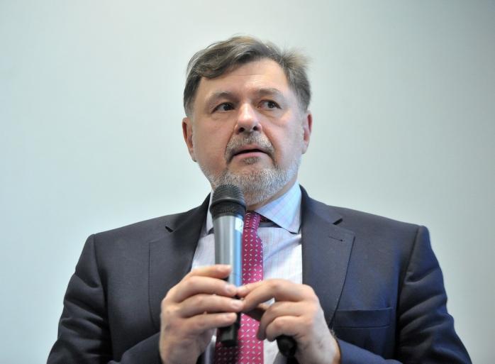 """Medicul Alexandru Rafila: """"Scăpăm de mască abia în toamnă. Atunci când vaccinăm 10 milioane de oameni"""""""