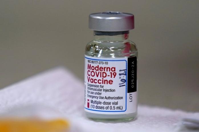 Clujul primește din nou doar puțin peste 9.000 de doze de vaccin Moderna. Clujenii nu preferă vaccinarea cu acest ser