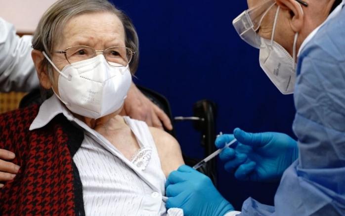 Aproape 80% din populația eligibilă a României este nevaccinată. Cele mai multe persoane imunizate cu ambele doze au peste 60 de ani