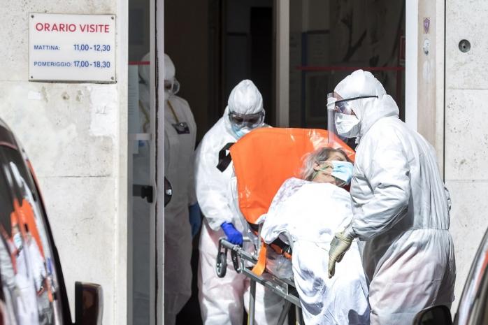 Sub 100 de cazuri de COVID azi la Cluj, însă numărul deceselor crește alarmant
