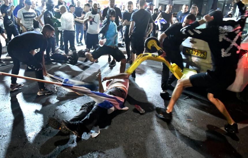 Şoc în Israel, după linşarea unui bărbat considerat arab de către extremiștii evrei, difuzată în direct la televizor