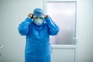 DOAR 158 de cazuri COVID noi și sub 30 de decese, în toată țara