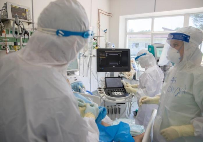 Niciun pat liber la ATI pentru pacienții Covid-19, în România. 72 de persoane, internate la Cluj